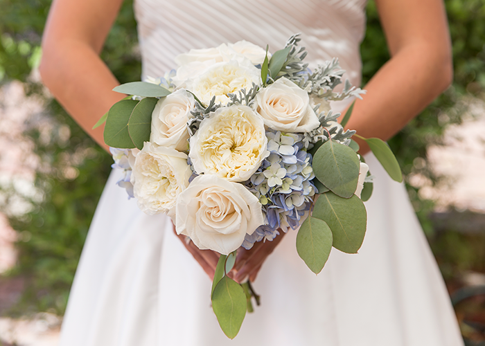 wedding-flowers-seaside-blue