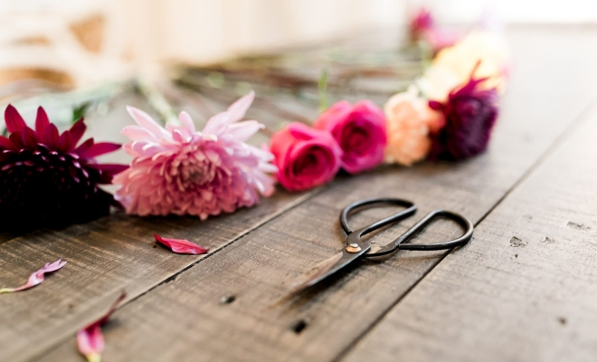 Do it yourself blogs pictures and more on wordpress to diy or not to diy your wedding flowers solutioingenieria Image collections